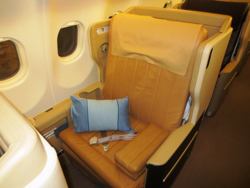 Pic my etihad pearl business class seat 9h on b777 300er may 2012 - Jfk Fra Is Operated By An A380 The Lax Flights Are Operated By A 777 300er 77w And The Houston Flight Is Operated By An A350 All Of Those Have Lie Flat